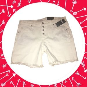 Mossimo Women's Jean Shorts White Size 6